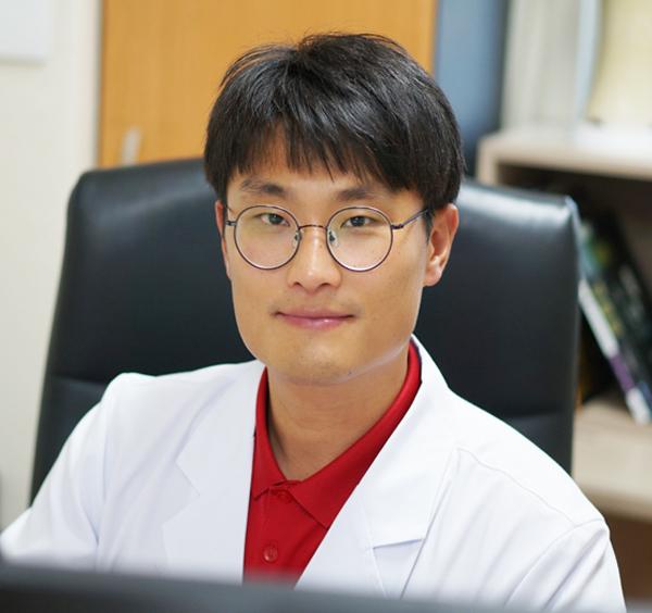 제6신경과 우성민 과장/전문의